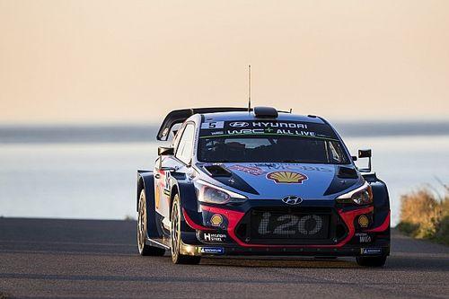Hyundai prepara il Rally di Germania con modifiche alle sospensioni per le i20 Coupé WRC