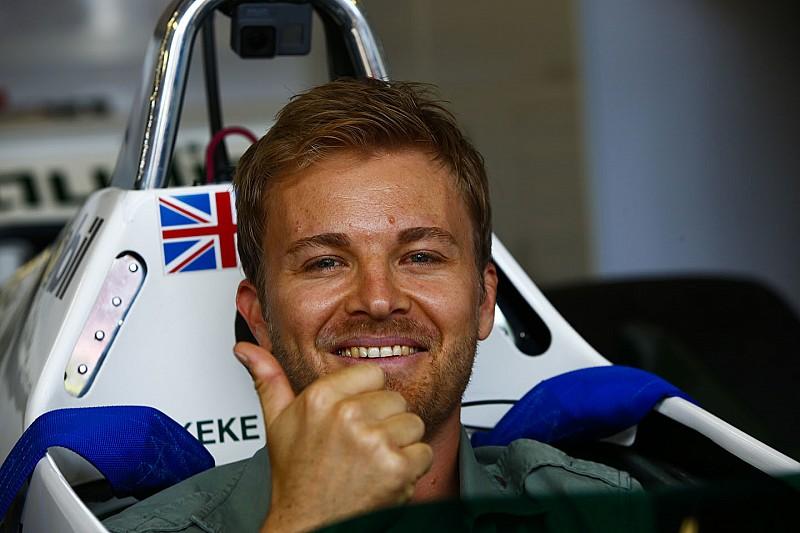 """Rosberg: """"A Ferrari hihetetlen munkát végzett, Alonsót rossz látni a mezőny végén"""""""