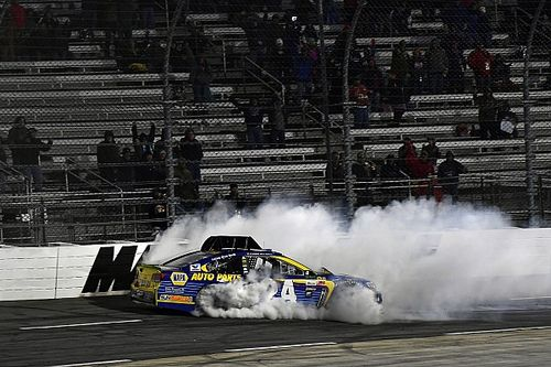 "Tempers flare between Elliott and Hamlin after ""uncalled for"" contact"