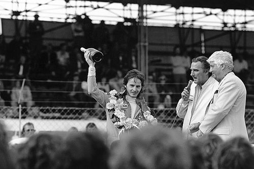 38 éve vesztettük el az F1 egyik legnagyobbját, Gilles Villeneuve-öt