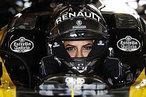 Renault celebra con una exhibición que las mujeres ya puedan conducir en Arabia Saudí