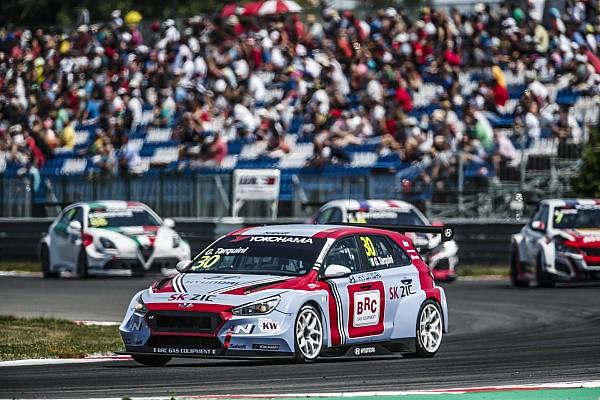 WTCR Slovakia WTCR: Tarquini retakes points lead with Race 2 win