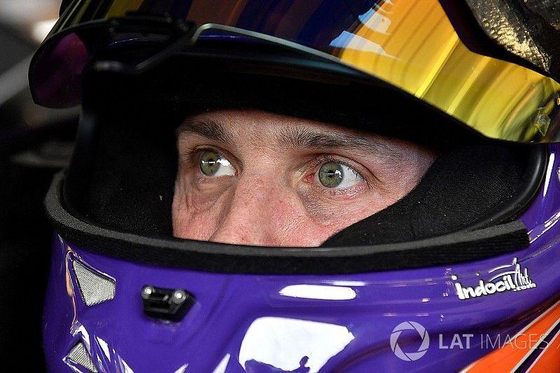"""Denny Hamlin necesita """"un poco más de velocidad"""" para alcanzara a Harvick"""