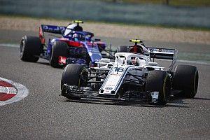 «Мы слишком много теряем из-за мотора». Гасли назвал решающий фактор в борьбе Toro Rosso и Sauber