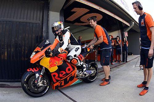 Vidéo - Le Champion motocross Tony Cairoli teste la KTM MotoGP