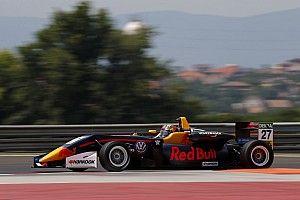 Dominio assoluto di Dan Ticktum in Gara 1 a Budapest