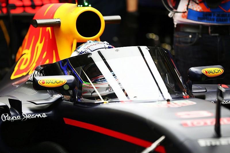 IndyCar analyzing cockpit deflectors