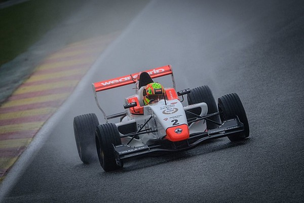 Formula Renault Spa NEC: Norris controls wet Race 1