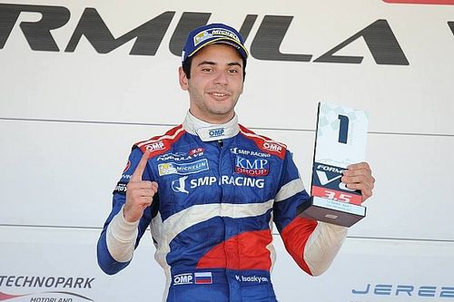 Jerez F3.5: Isaakyan wins as title rivals Dillmann and Deletraz collide