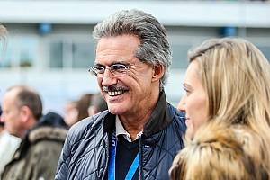 Бывший босс BMW в Ф1 предсказал заводским командам сложные времена