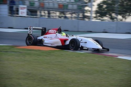Mick Schumacher domina in Gara 1 al Buddh International Circuit