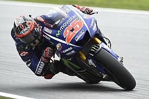 MotoGP Trainingsbericht MotoGP 2017 in Silverstone: Maverick Vinales legt vor für Yamaha