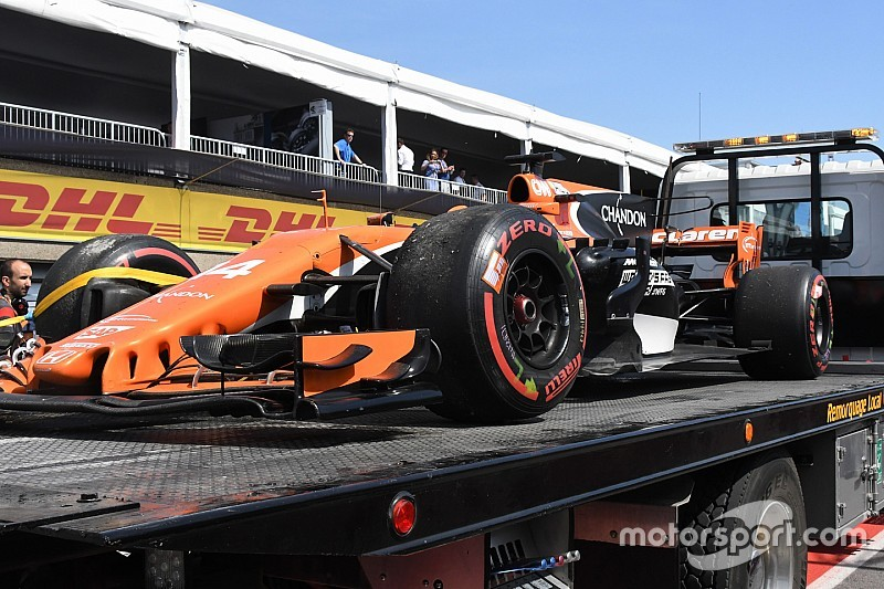 "McLaren ""can't keep doing this"" with Honda - Brown"