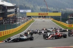 Drama voor Verstappen en tienduizenden Nederlandse fans in Spa, zege Hamilton