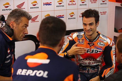 Pedrosa ook het snelst in droge tweede training, crash Viñales