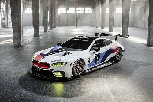BMW resmi olarak M8 GTE aracını tanıttı