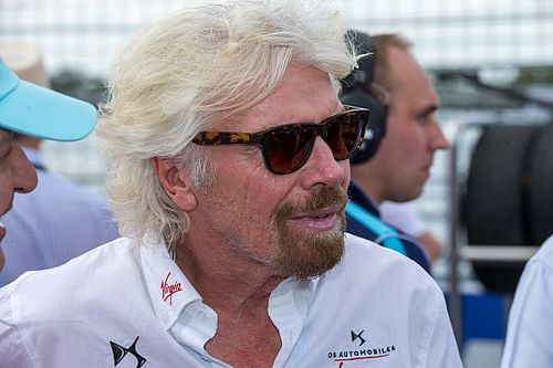 Nach erstem Brawn-Sieg: Betrunkener Branson urinierte auf Autogrammjäger