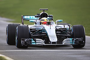 Photos - La Mercedes W08 en piste !