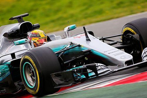 Hamilton lidera manhã de testes em Barcelona