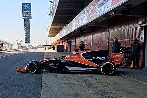 Debut McLaren MCL32 di Barcelona