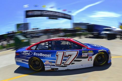 Stenhouse's crew chief fined for lugnut violation