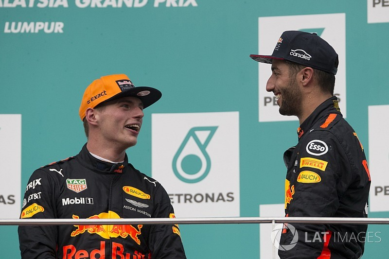 """Ricciardo rivela: """"Max ha provato una nuova filosofia di set-up"""""""