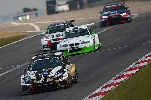 La Mathilda Racing festeggia la quarta vittoria al Nordschleife