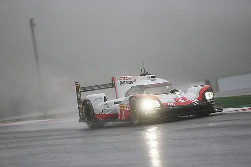 Qualifs - Porsche d'un souffle dans le brouillard!