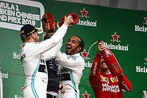 Тема дня: на що натякають три поспіль дублі Mercedes?