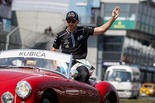 Кубица «запаниковал» на старте гонки и посмеялся ближе к финишу