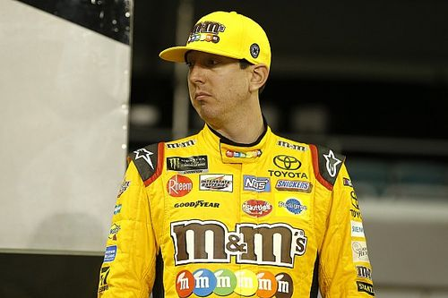 "Kyle Busch last of title contenders after ""frustrating night"""