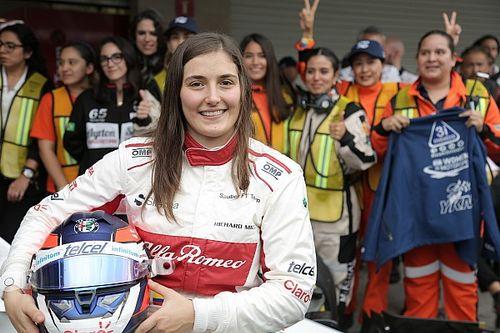 Tatiana Calderón se mantiene como piloto de test de Alfa Romeo F1