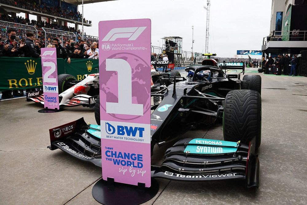 Marko aggódik a Mercedes fölénye miatt: Mintha nyitott DRS-sel mentek volna