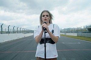 Davina Michelle zingt volkslied voorafgaand aan Dutch GP 2021