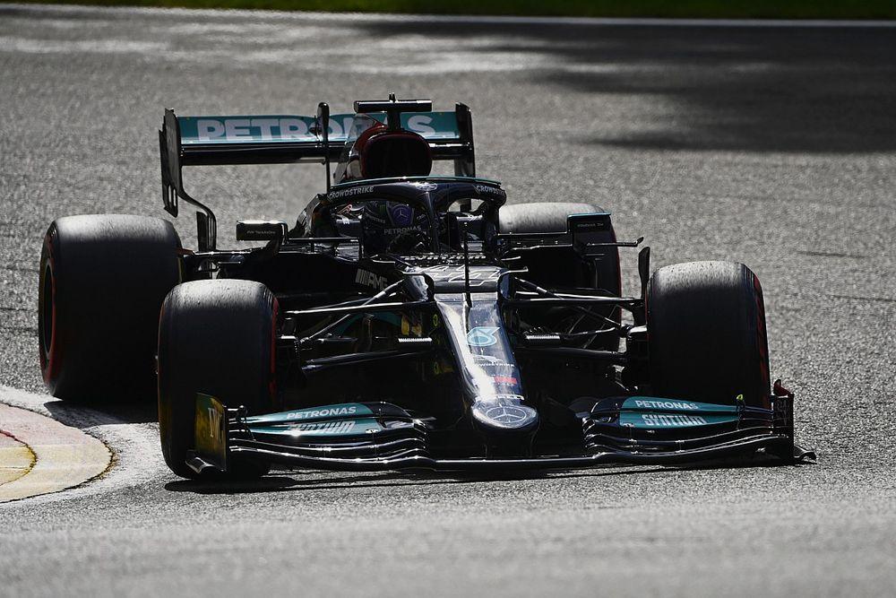 """Hamilton avverte: """"All'Eau Rouge l'asfalto è molto rovinato"""""""