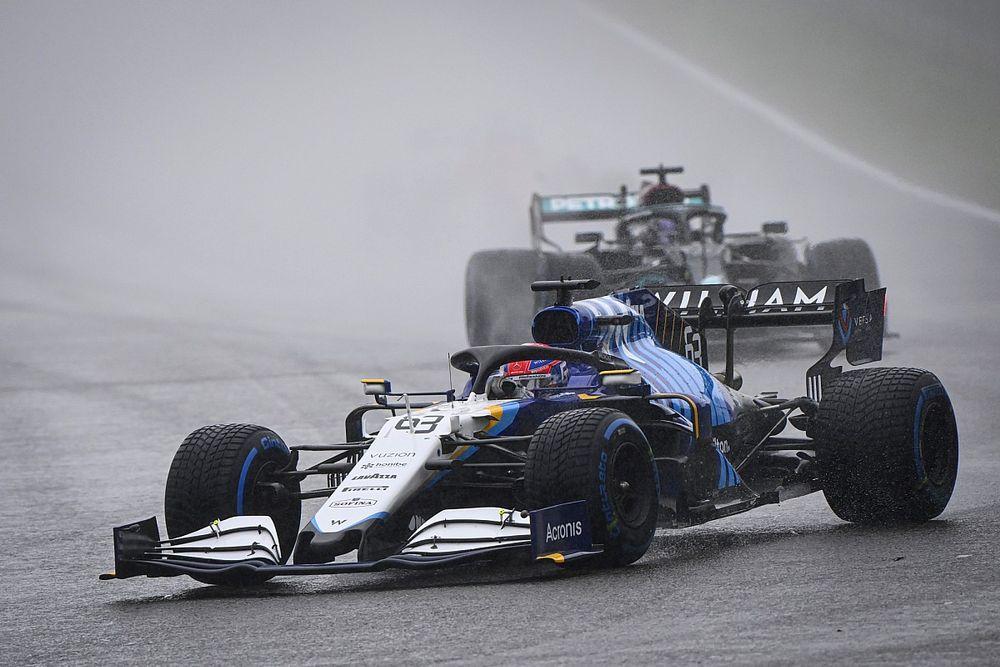 """راسل: """"لا يُهمّ"""" كيف حقّقت منصّة تتويجي الأولى في الفورمولا واحد"""