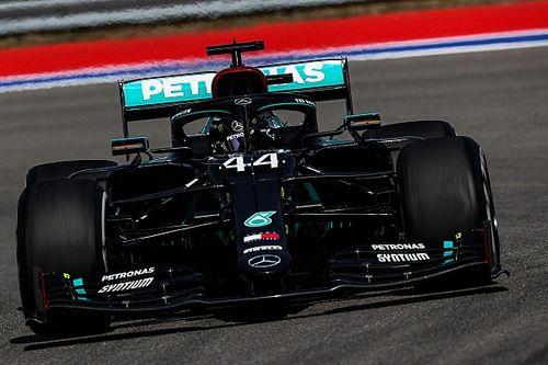 Hamilton komoly fölénnyel vitte a 3. szabadedzést, Sainz harmadik a McLarennel