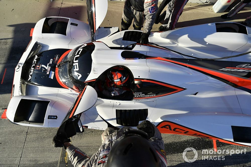 Sebring 12 Hours: Castroneves leads opening practice