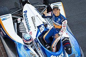 12月6日、スーパーフォーミュラ鈴鹿に佐藤琢磨が来場! インディ500優勝車両も展示