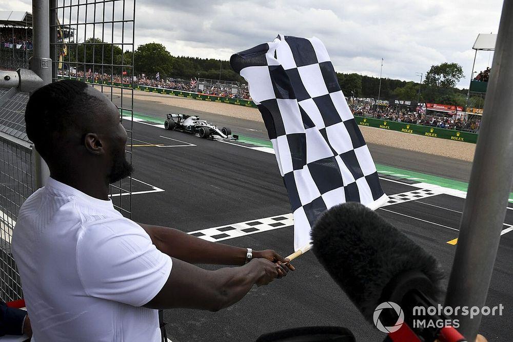 La F1 venderá los cuadrados de su bandera a cuadros con fines benéficos