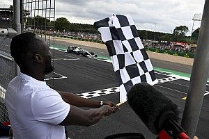 F1 to sell squares on chequered flag for charity