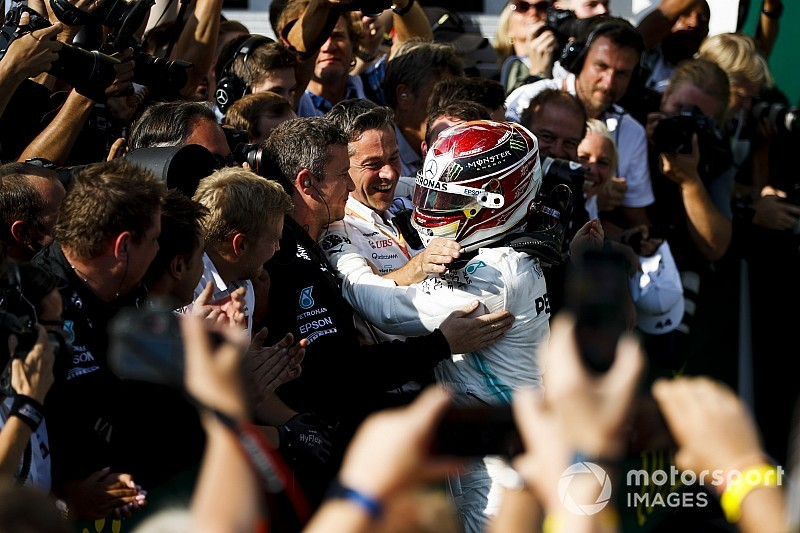 Hamilton időmérős körökkel vitte győzelemre a Mercedes taktikáját