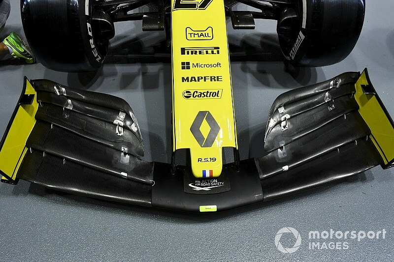 A Renault egy új első szárnnyal operál Japánban