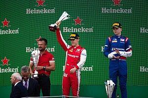 Штраф Армстронга сократил преимущество Шварцмана в Формуле 3
