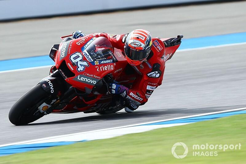 MotoGP, Buriram, Libere 3: Dovizioso azzarda le slick e vola