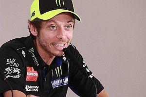 """Rossi: """"Quartararo hace cosas increíbles"""""""