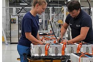 Százezer munkahely került veszélybe a német autóipar válsága miatt