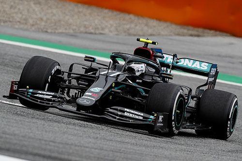 Így mutat a pályán a Mercedes fekete F1-es festése