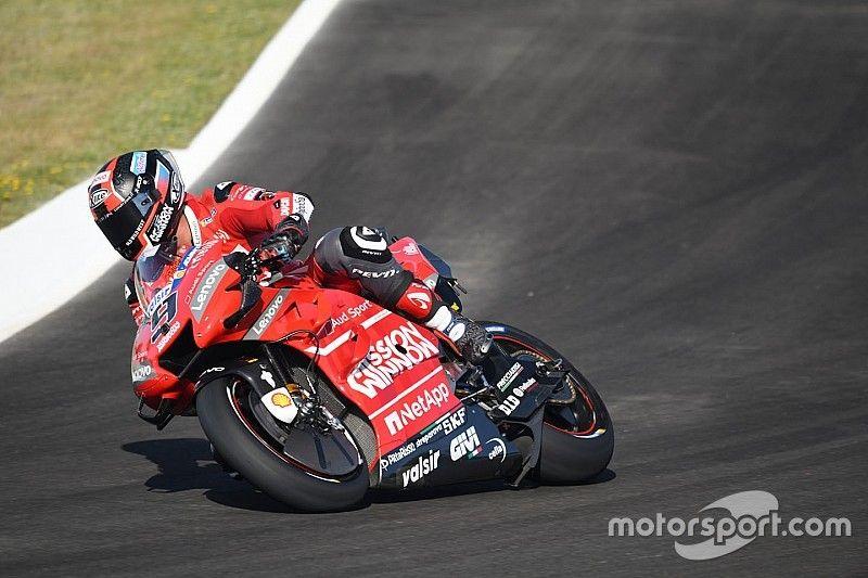 Petrucci supera Dovizioso e lidera primeiro dia da MotoGP na Espanha