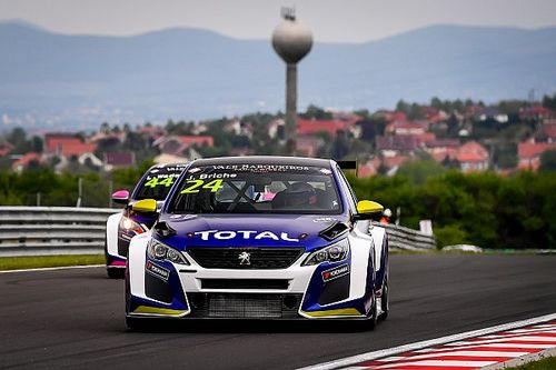 Julien Briché vince una Gara 2 del TCR Europe mozzafiato all'Hungaroring